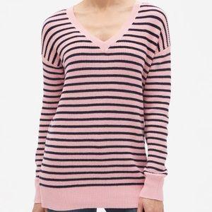 GAP V-neck Tunic Sweater